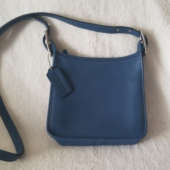 Coach Handbags - Vintage Coach Legacy Leather Crossbody